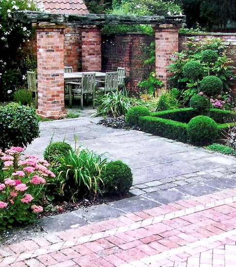 Garden design service nottingham create an environment for Garden design nottingham